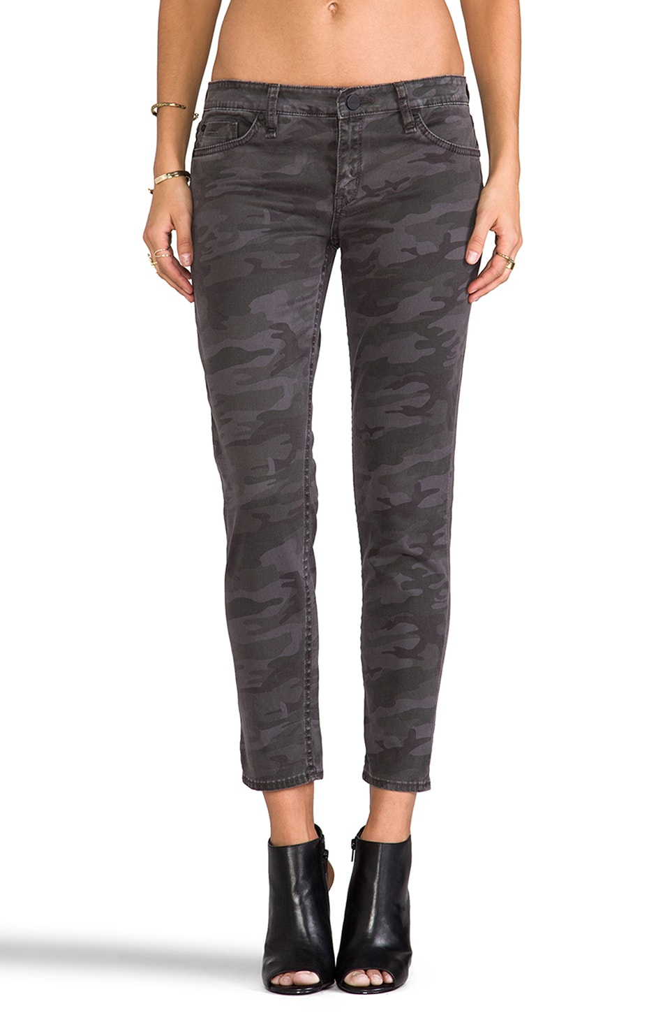 Sanctuary Camo Charmer Capri in Charcoal