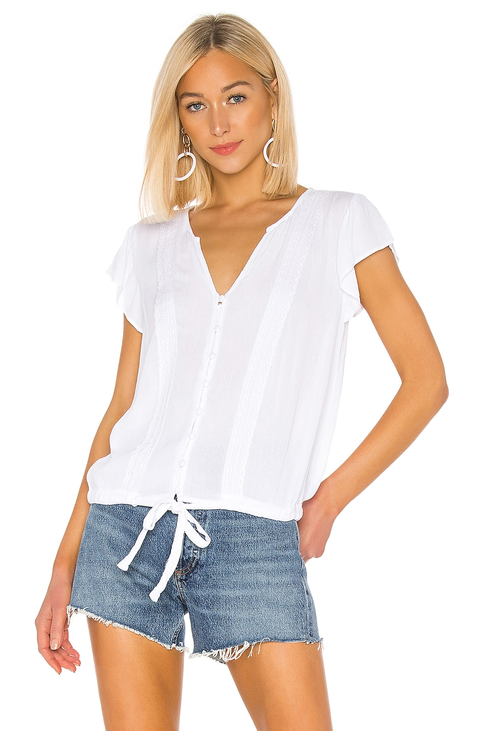 Sanctuary Tops SANCTUARY BOHEME TIE FRONT TOP IN WHITE.