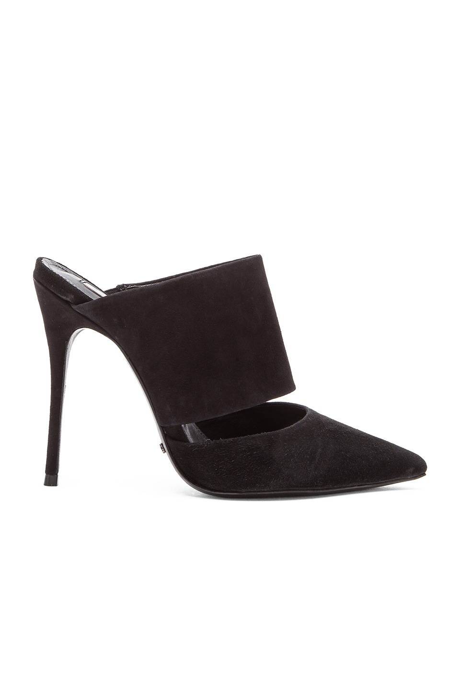 Schutz Quereda Heel in Black