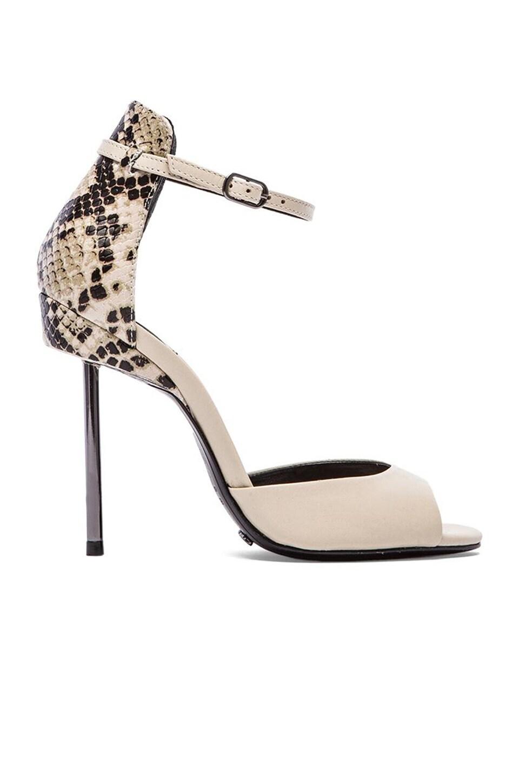 Schutz Nandi Heel in Cream