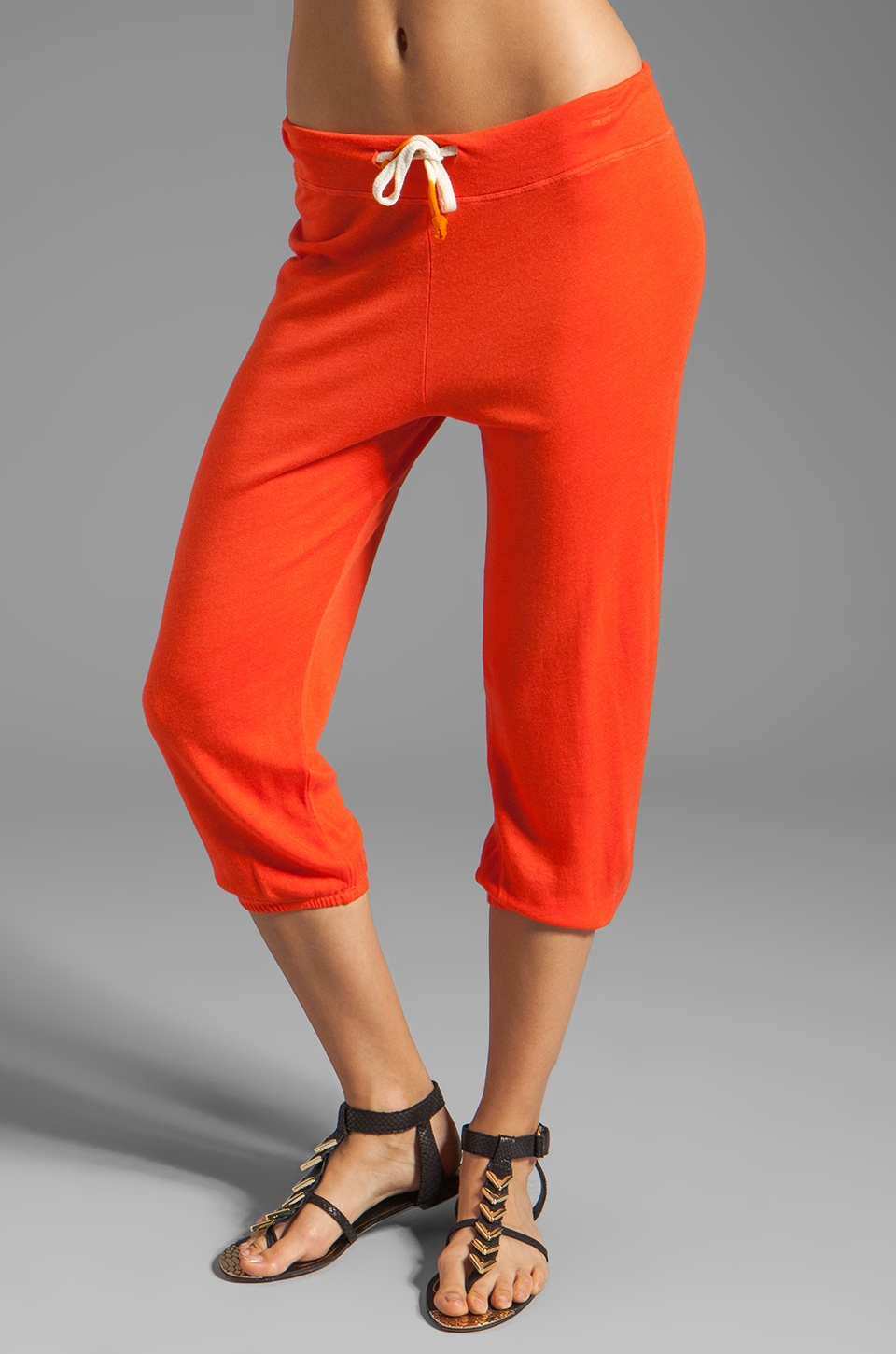 SUNDRY Capri Pants in Poppy