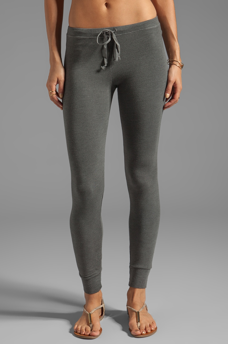 SUNDRY Skinny Sweatpants in Charcoal