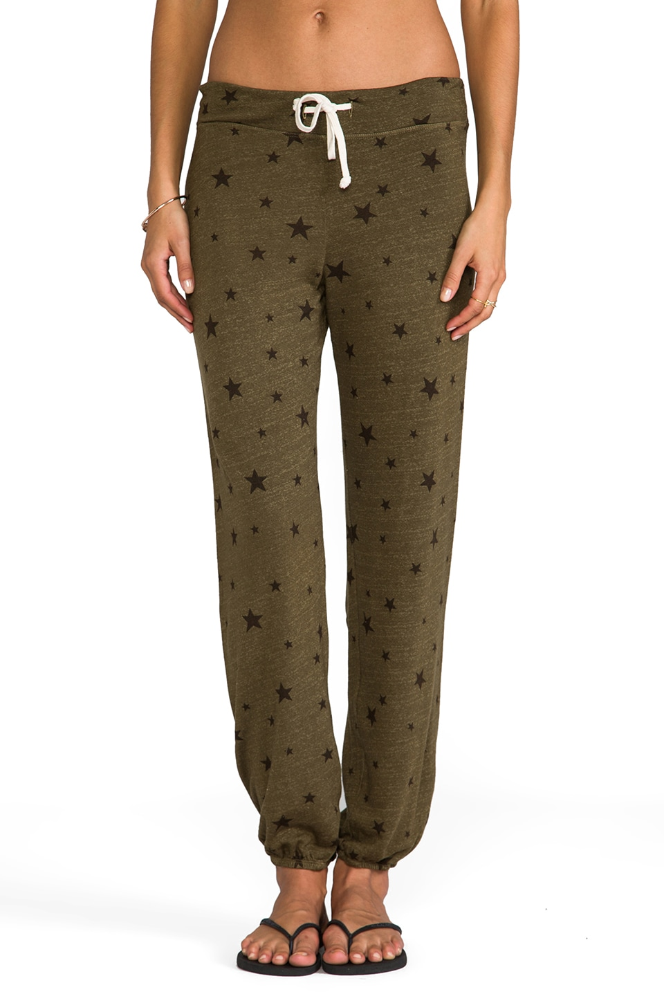 SUNDRY Stars Classic Sweatpants in Olive
