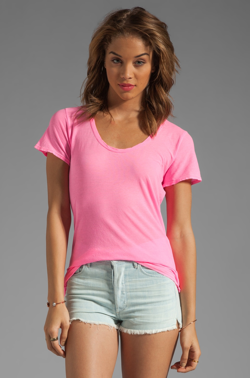 SUNDRY Light Jersey Basic Crew in Neon Pink