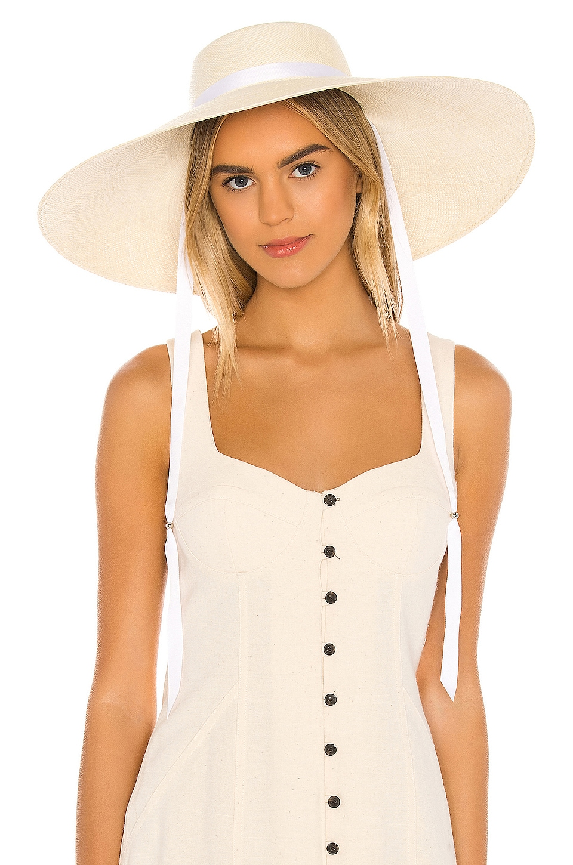 SENSI STUDIO Low Crown Extra Long Brim Hat in Natural & White