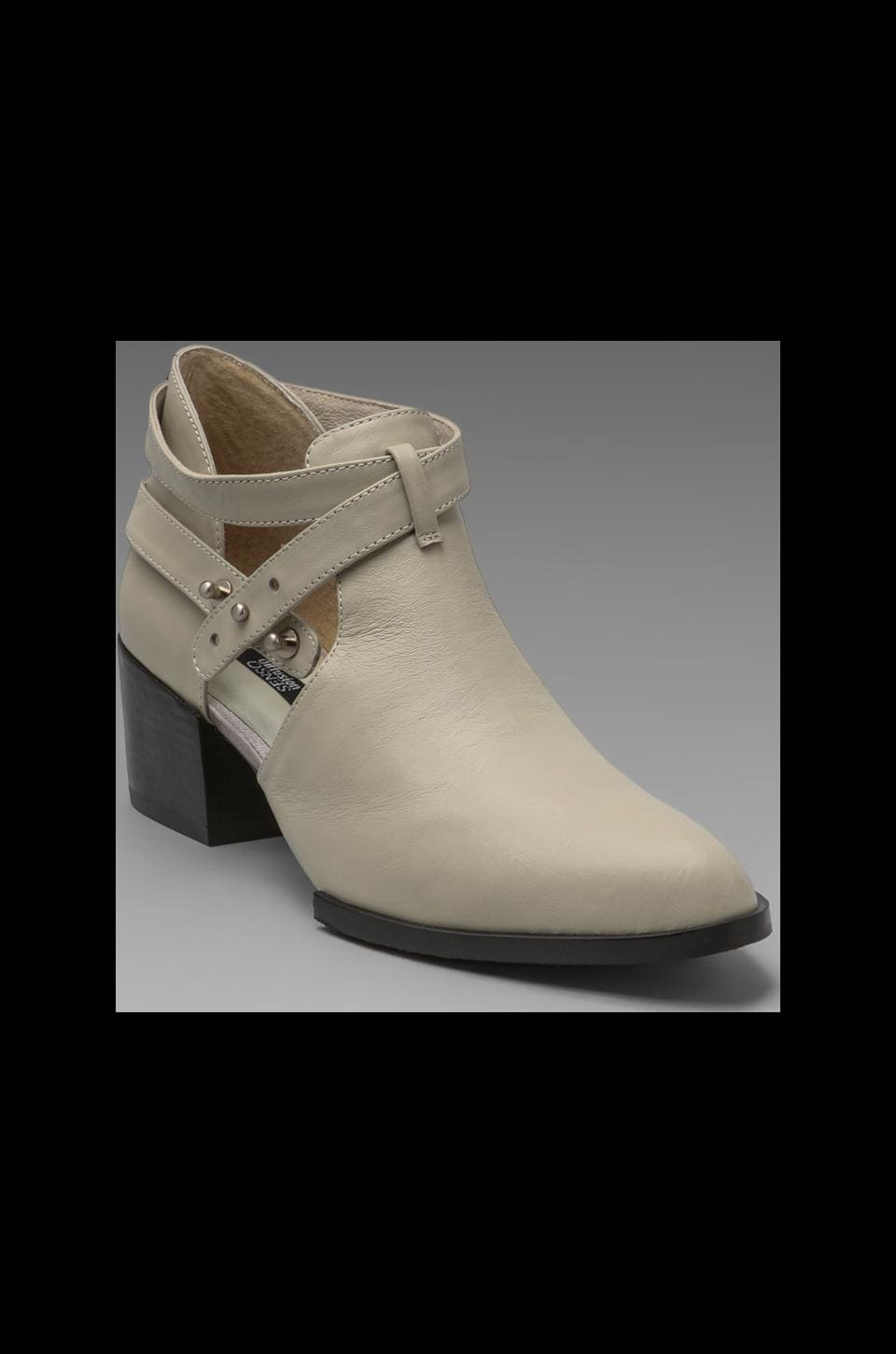 SENSO Qimat Cut Out Bootie in Pale Grey