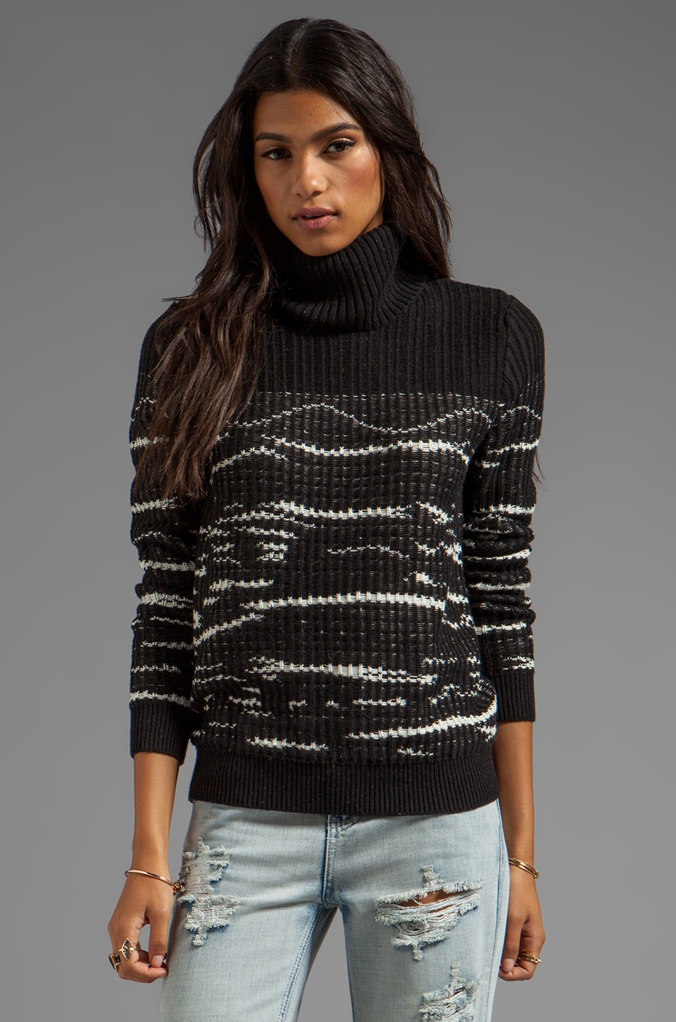 SHAE Reverse Stitch Turtleneck Pullover in Black/Warm White
