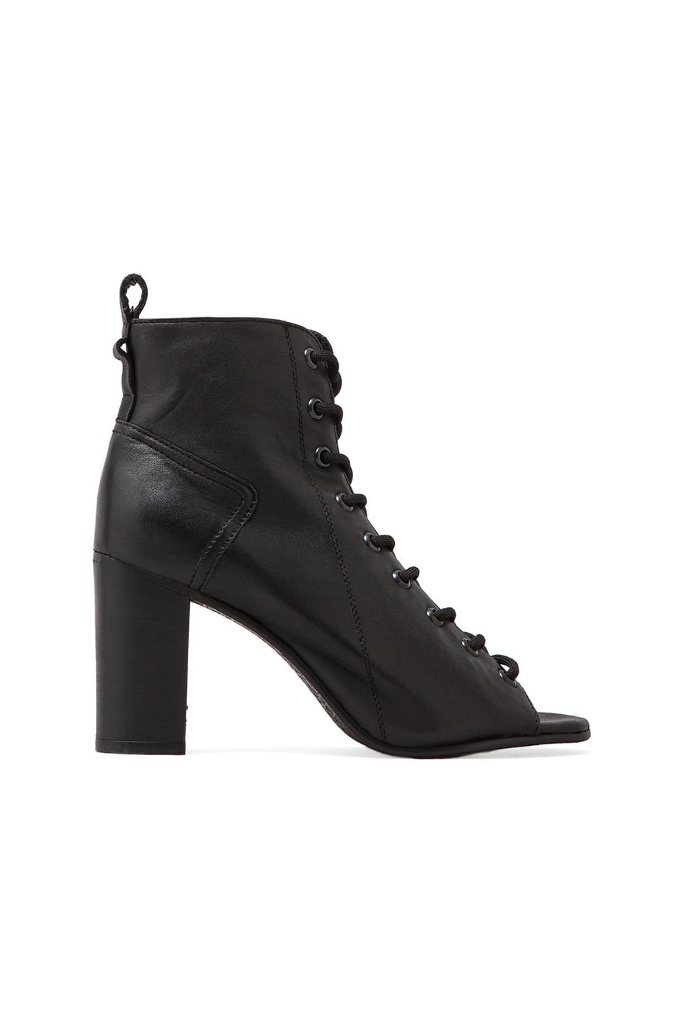 Steve Madden Scandlus Boot in Black Leather