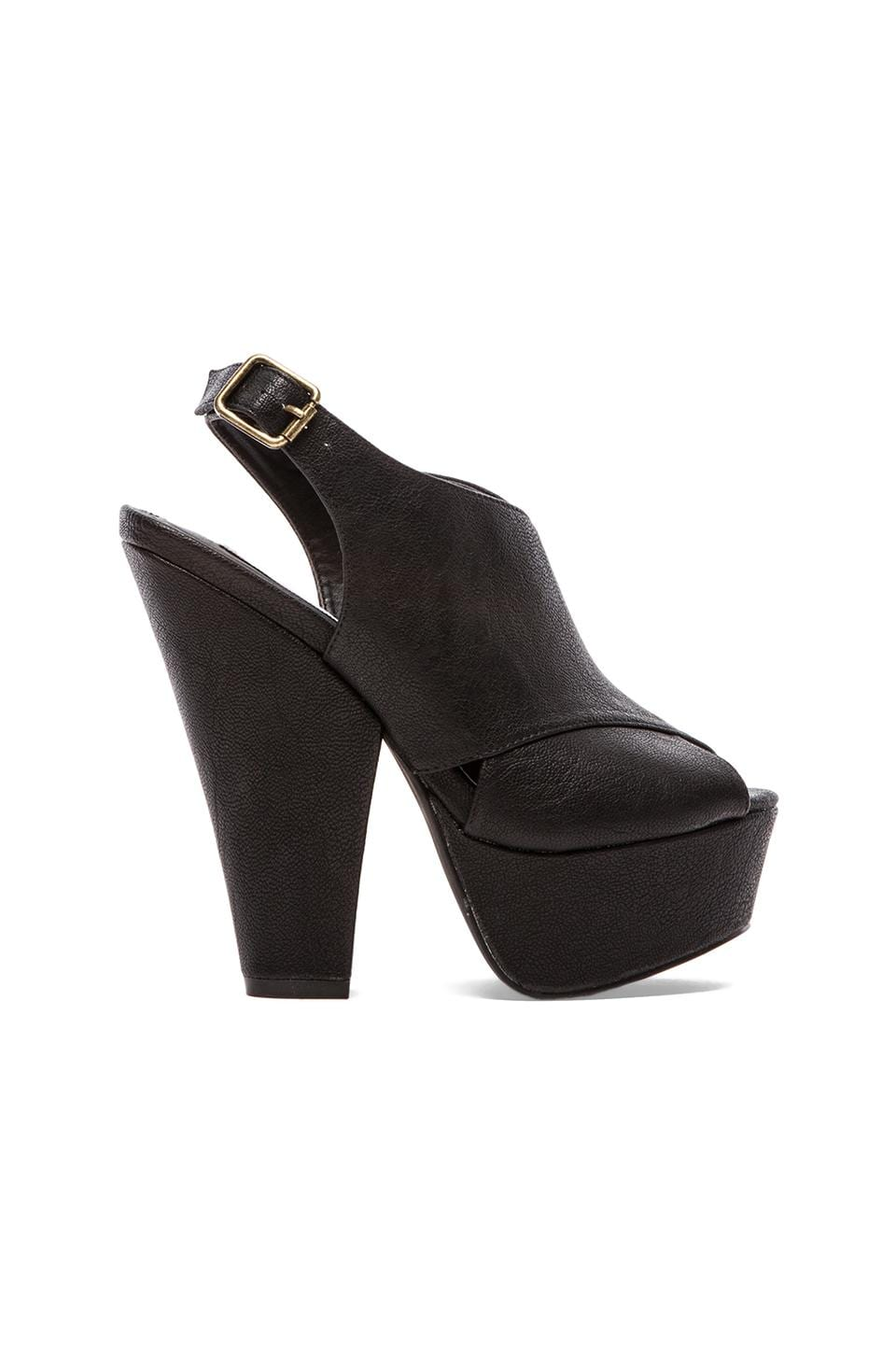 Steve Madden Galleria Platform in Black