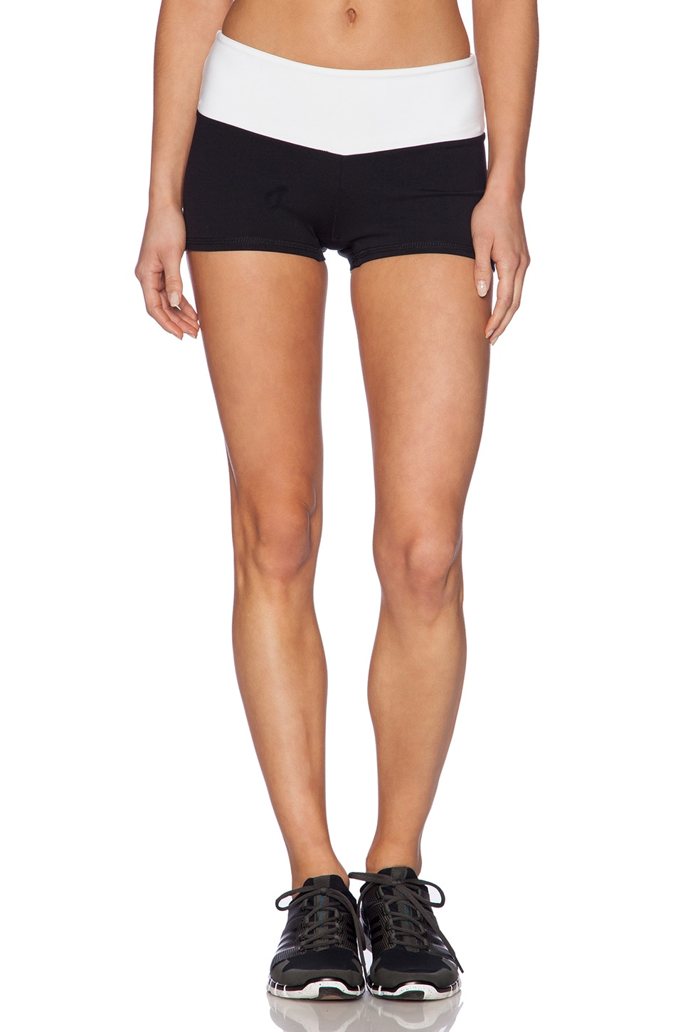 SOLOW Eclon Hot Yoga Contrast Short in Black/White