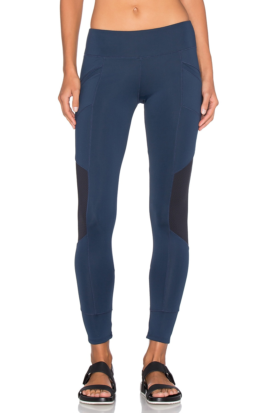 Xeno Legging by SOLOW