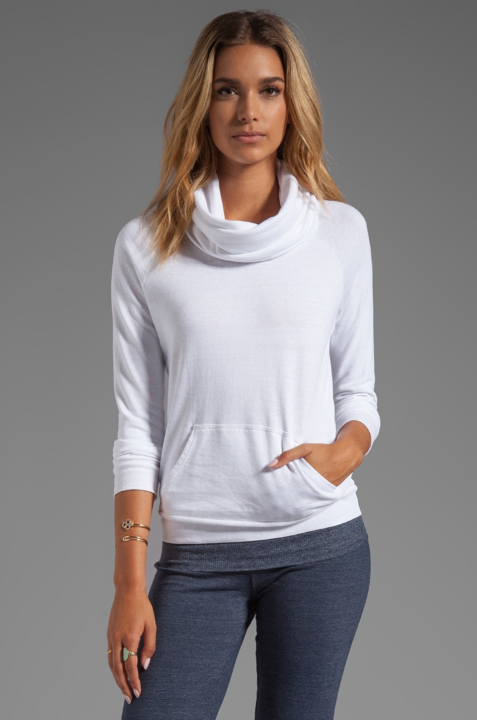 SOLOW Dancer's Warm-Up Fleece Raglan Pullover in White