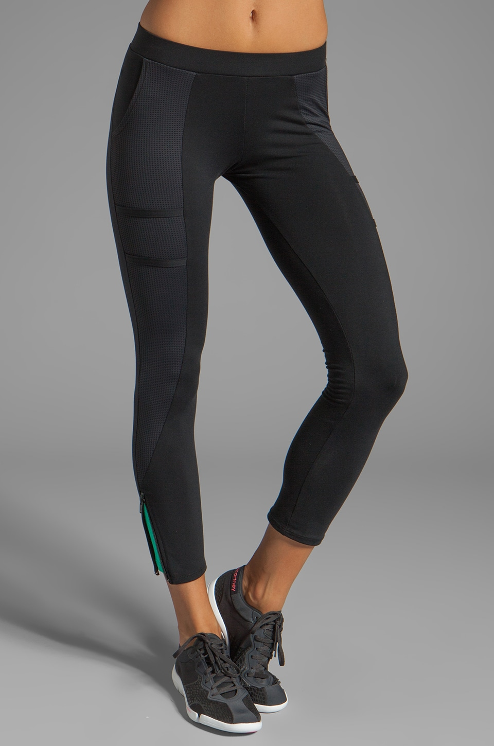 SOLOW Eclon Contrast Legging in Black/Bay