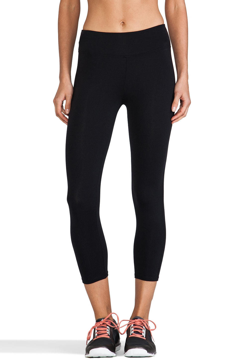 SOLOW Eclon Basics High Impact Crop Legging in Black