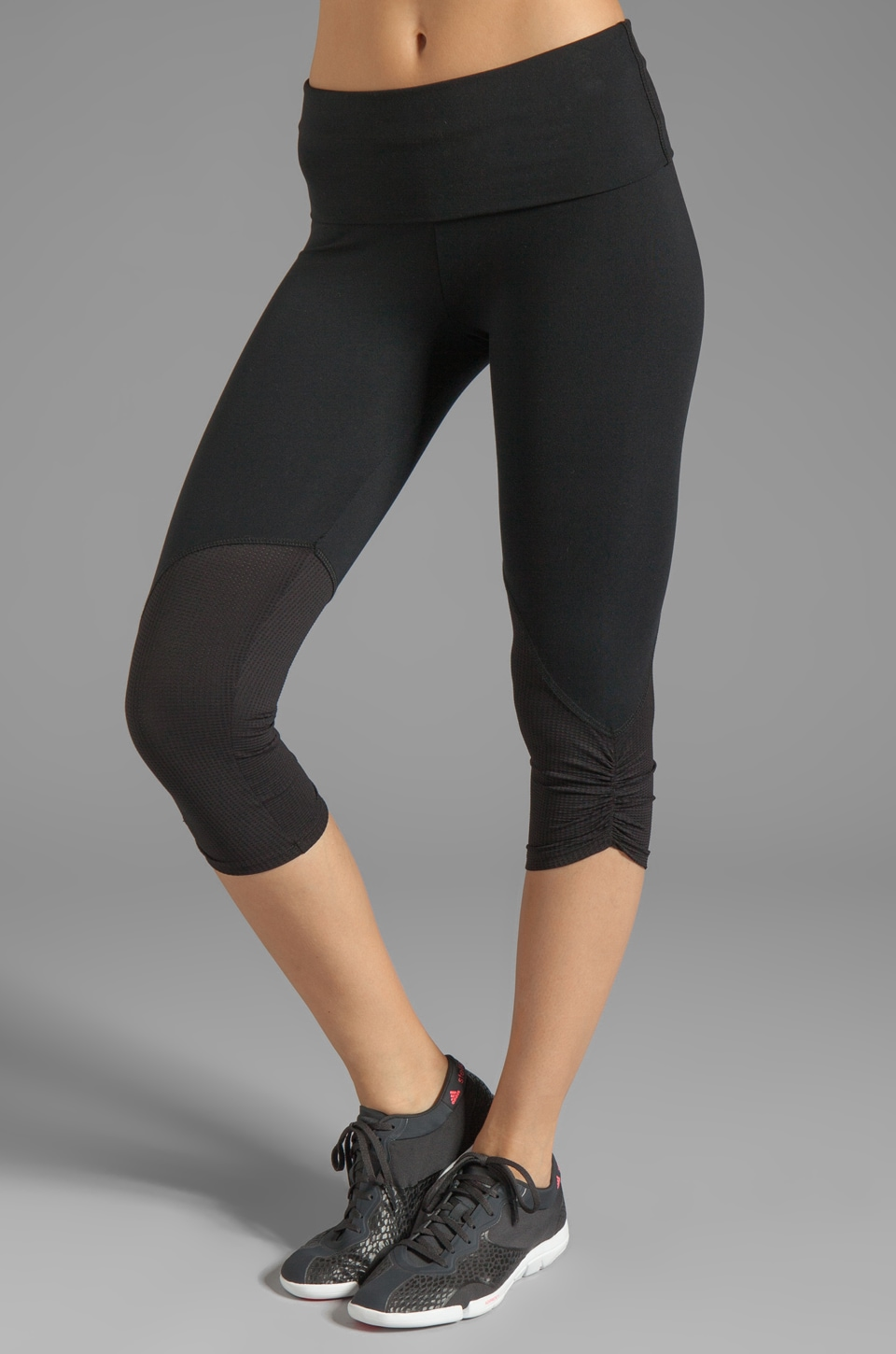 SOLOW Eclon Crop Legging with Tonal Mesh in Black