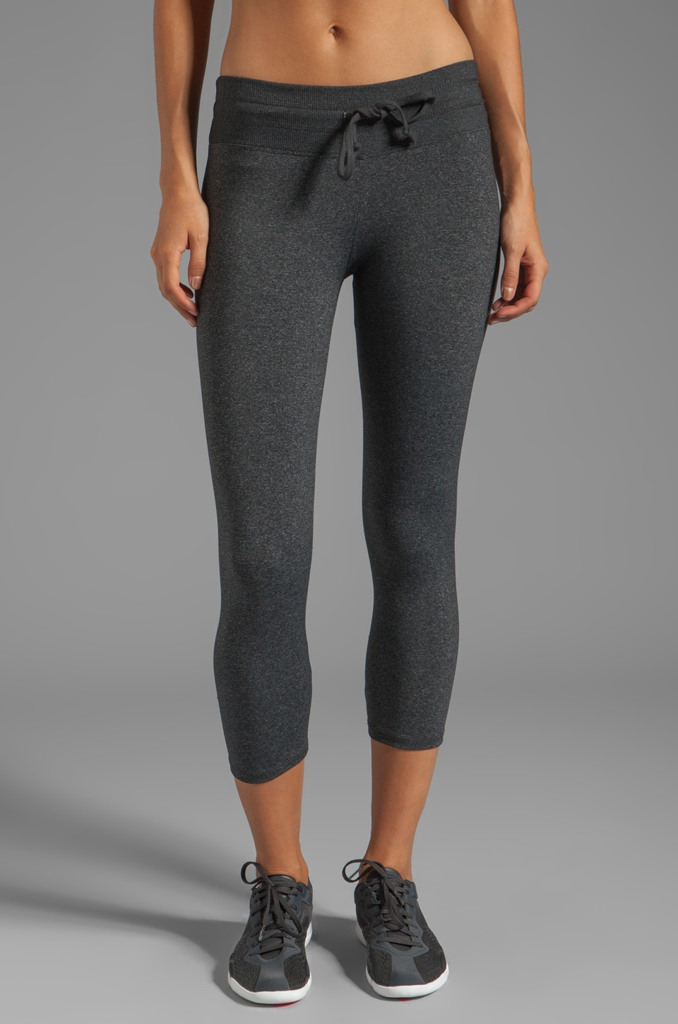 SOLOW Eclon Drawstring Crop Pant in Heather Charcoal