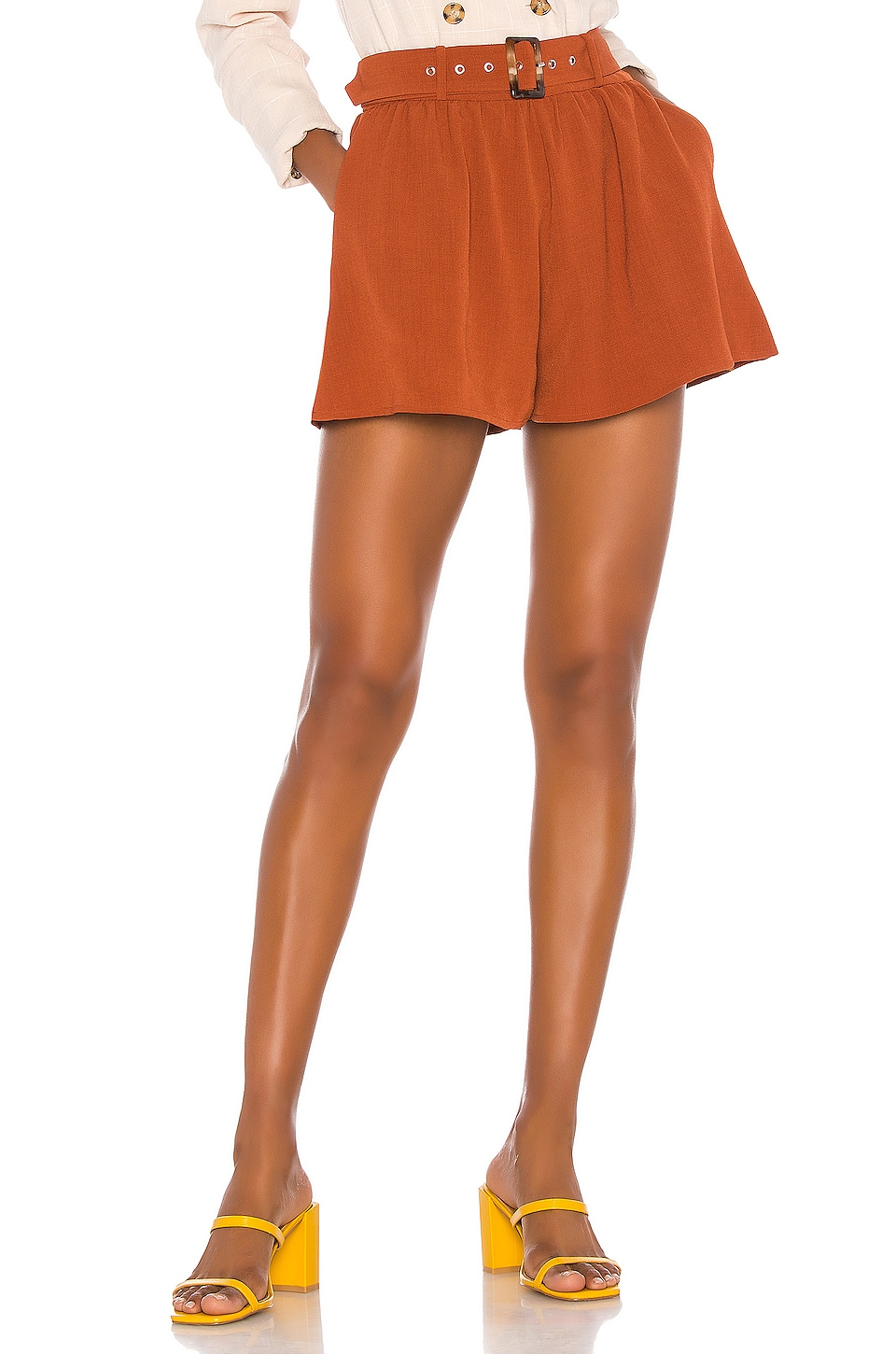 Song of Style Mae Short en Brown Sienna