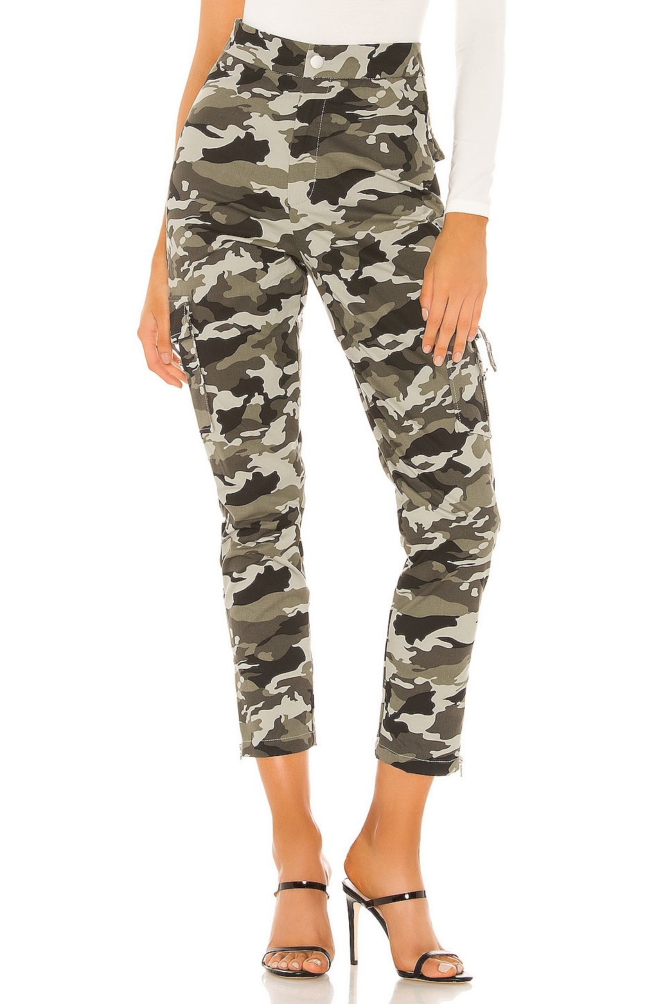 superdown Paxton Cargo Pant in Camo