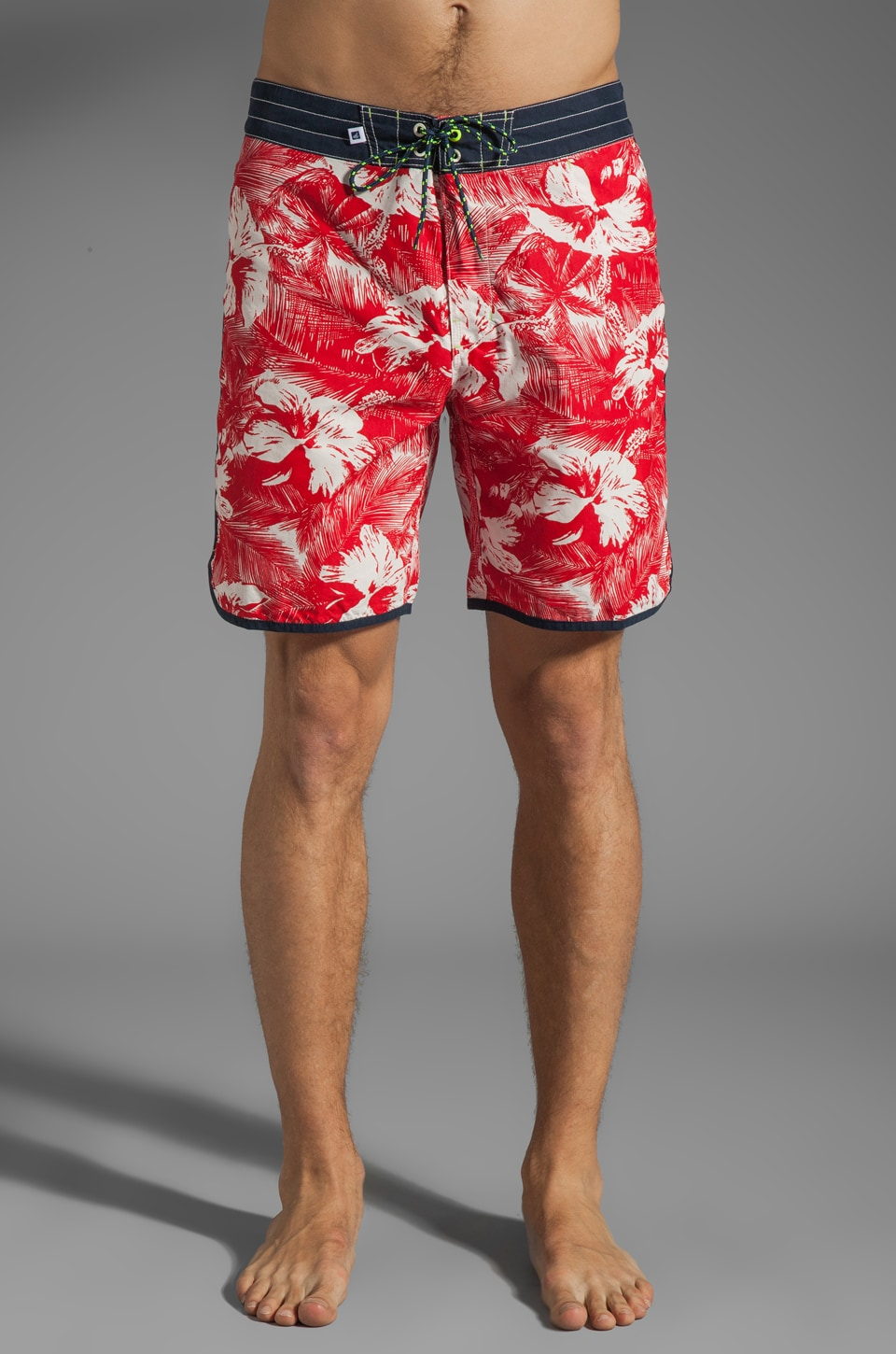 Sperry Top-Sider Tropical Hibiscus Boardshort in Crimson