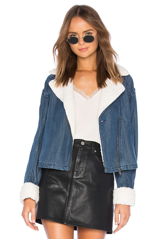 Splendid Sparrow Jacket With Faux Fur in Medium Wash
