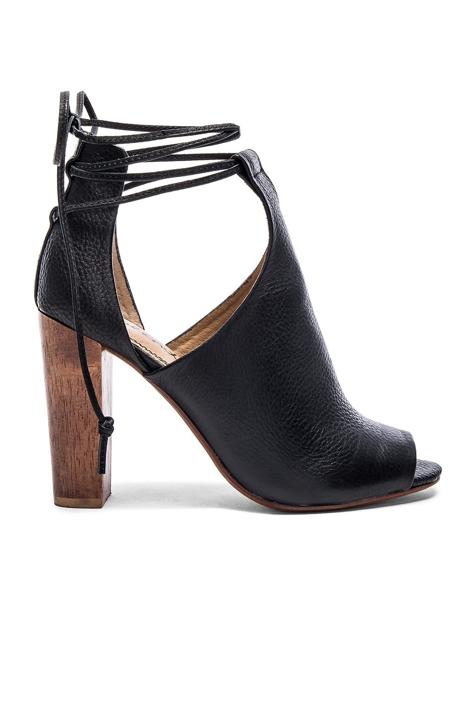 Splendid Jaylen Sandal in Black Tumbled Leather