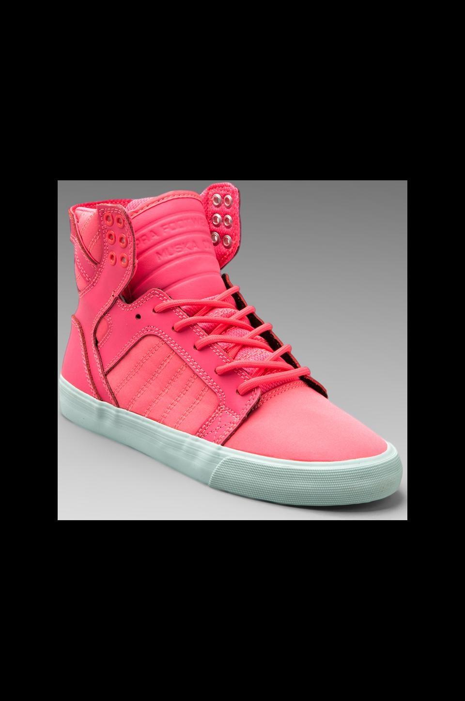 Supra Skytop Sneaker in Pink