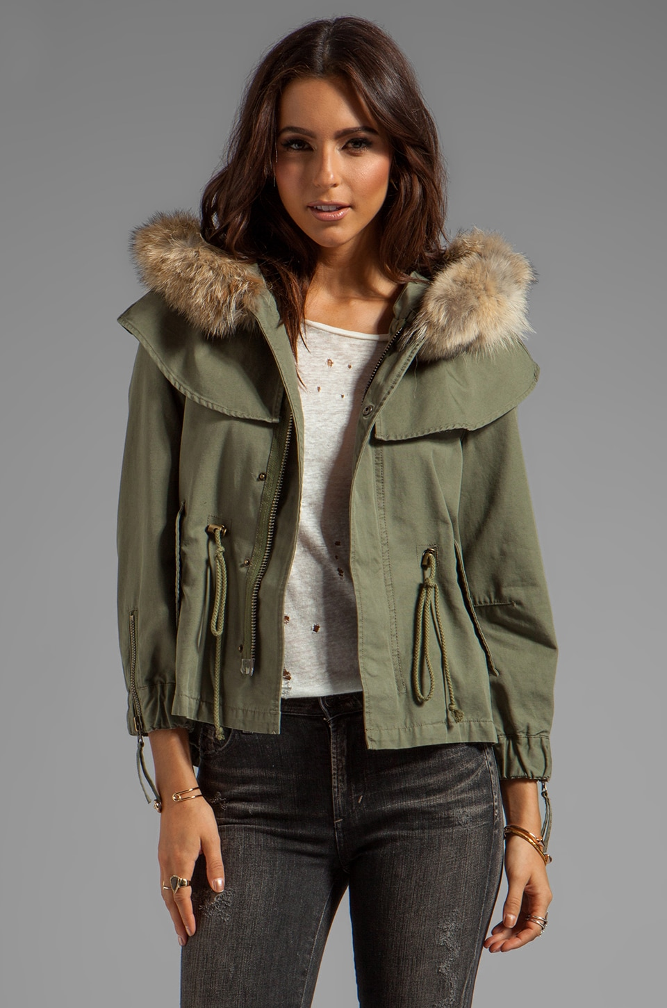 Skaist Taylor Twill Cropped Cape Jacket in Army Green