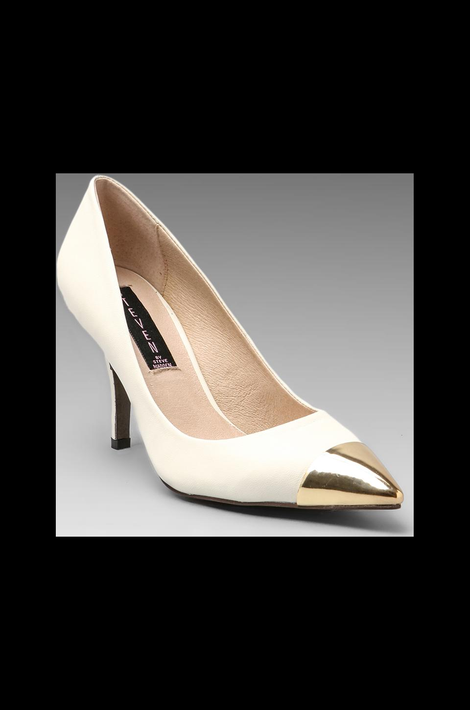 Steven Fearless Pump in Bone Leather