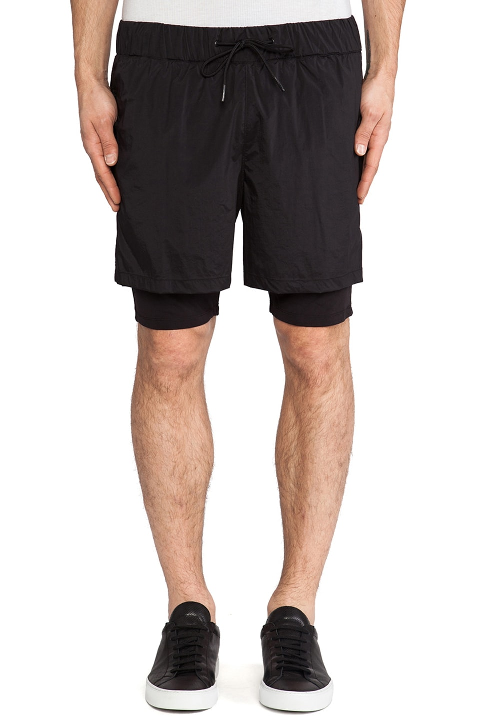 Theory 38 Bendt Double Short in Black