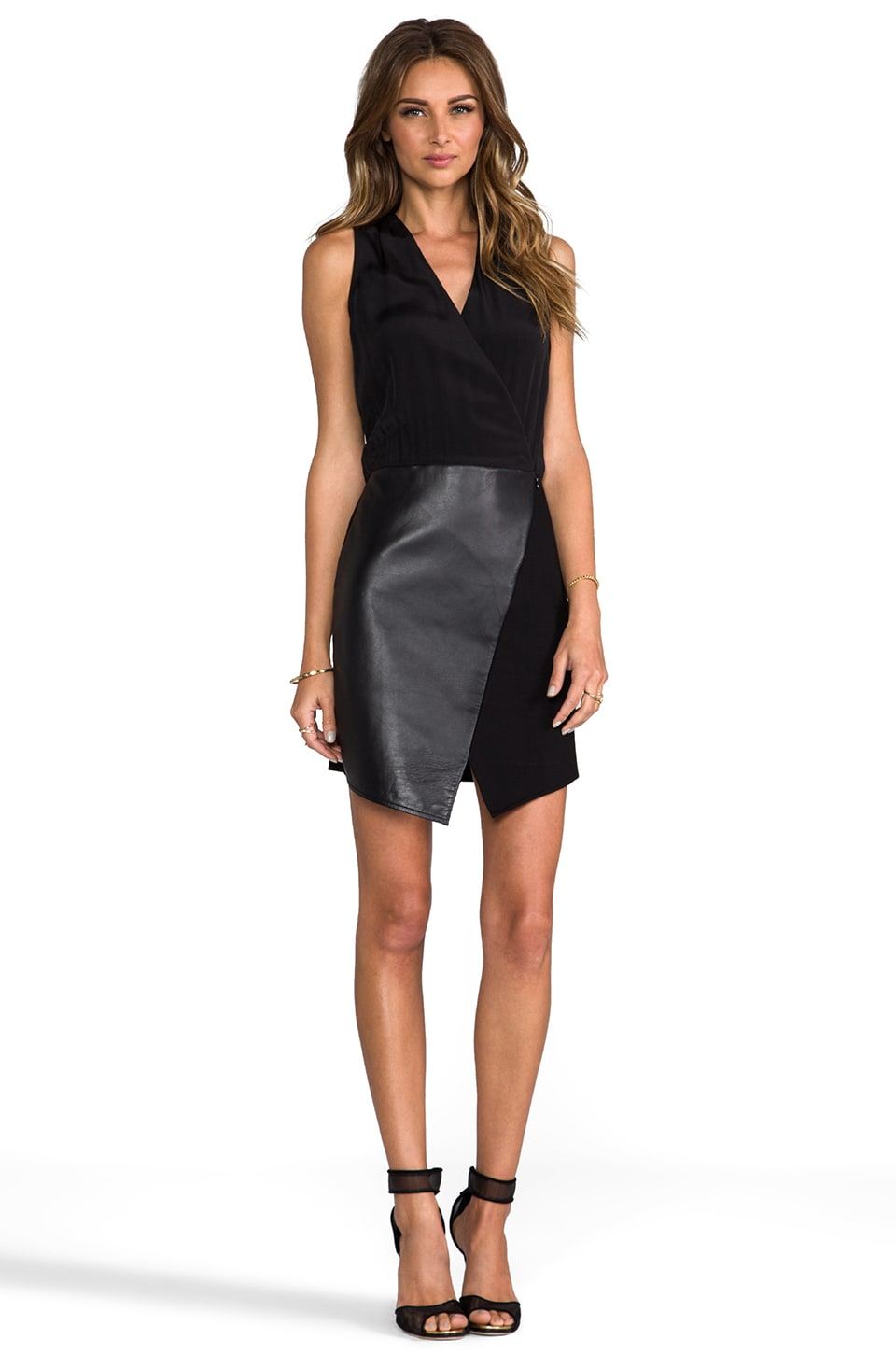 Tibi Asymmetrical Leather Wrap Dress en Noir