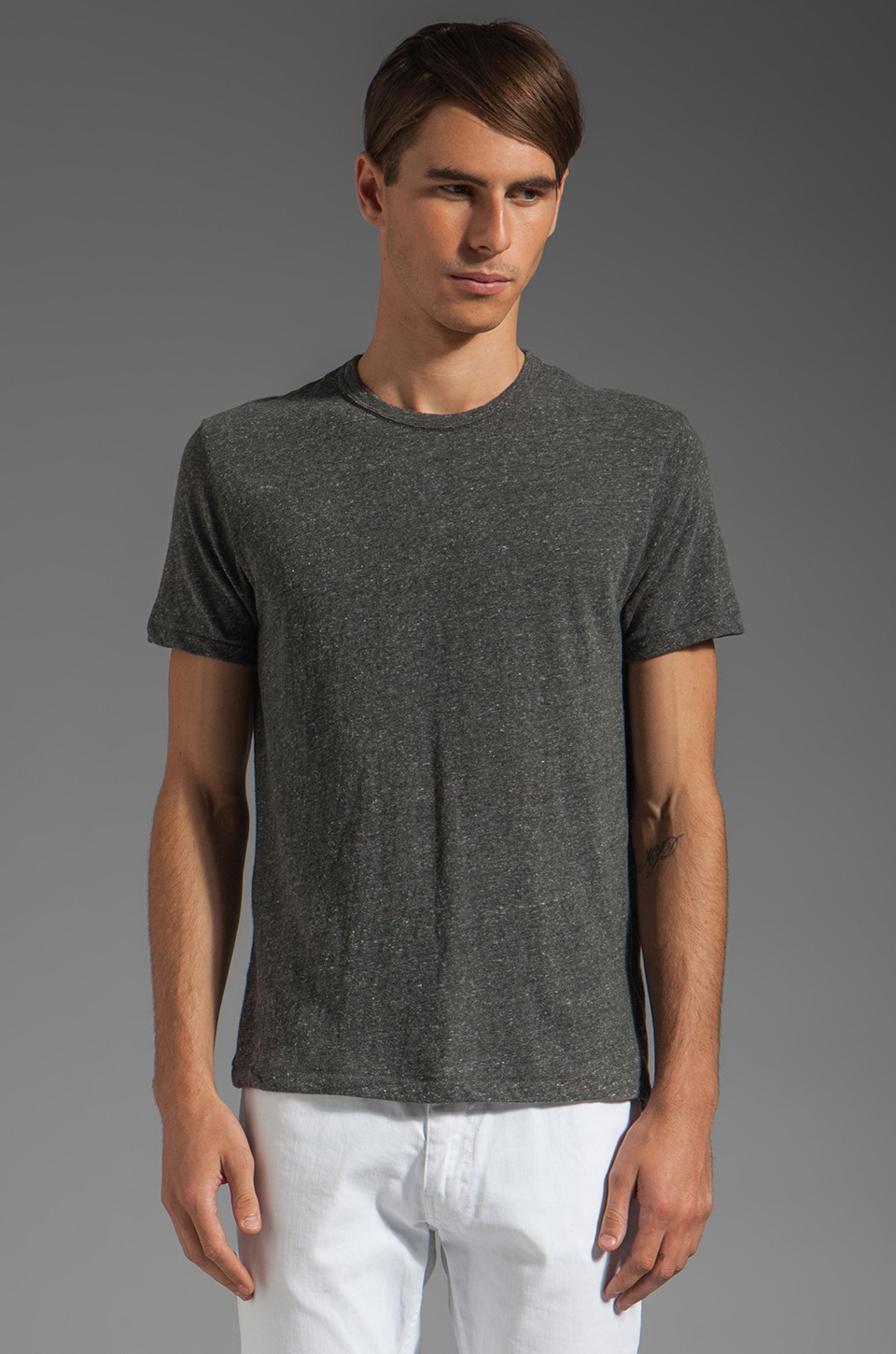 TODD SNYDER Classic T in Charcoal