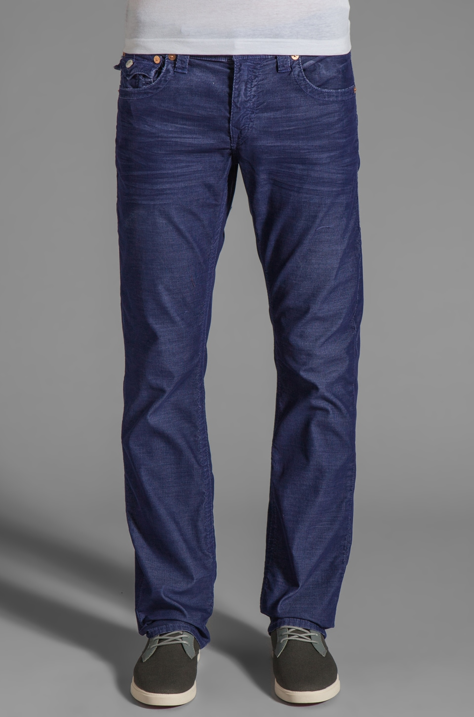 True Religion Ricky Corduroy Straight Leg in Azul
