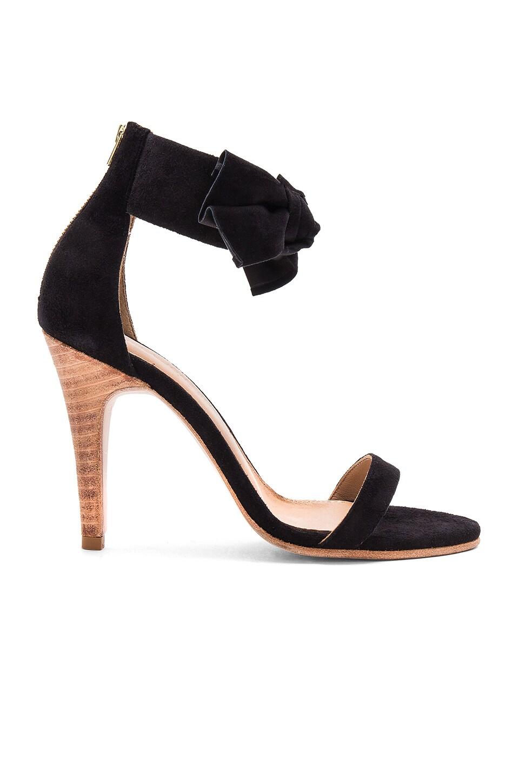 Thecia Heel