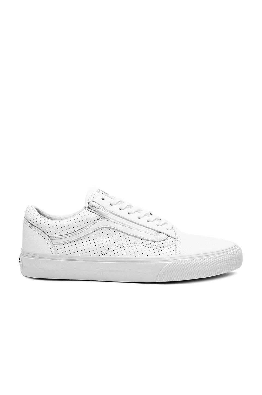 38ea569f12 Vans Old Skool Zip Perf Leather in True White