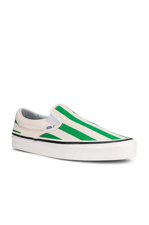 Vans Classic Slip-On 98 in OG White & OG Emerald