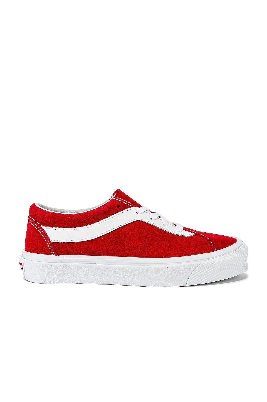 Vans Vault Bold NI in Racing Red & True White