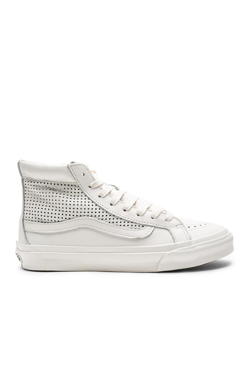 Vans SK8-Hi Slim Cutout DX Sneaker in Blanc De Blanc
