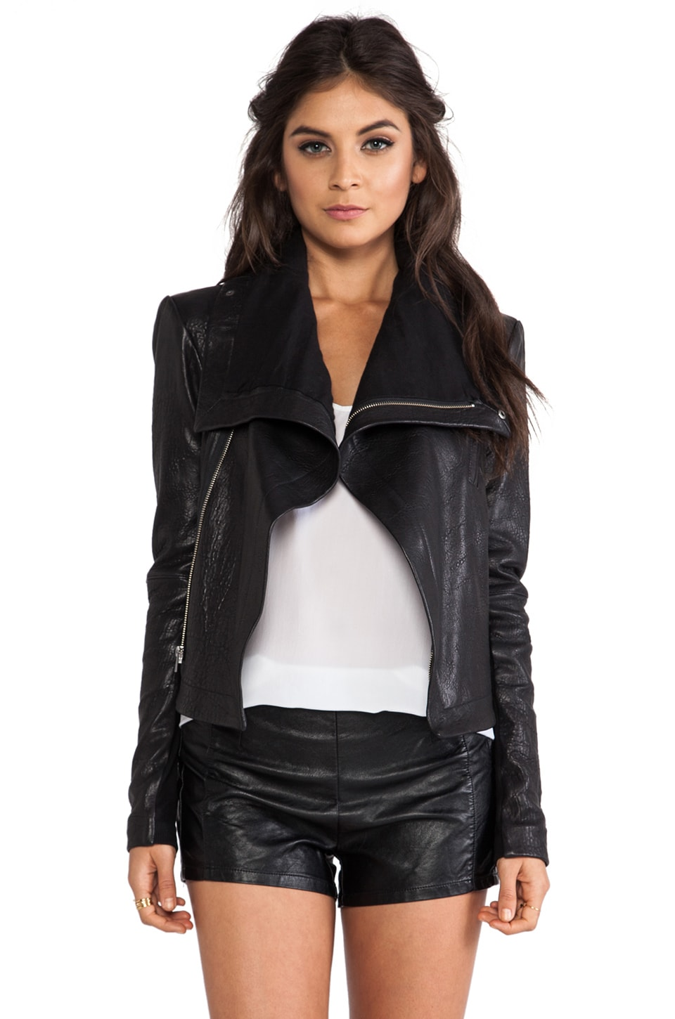 VEDA Max Classic Jacket in Black