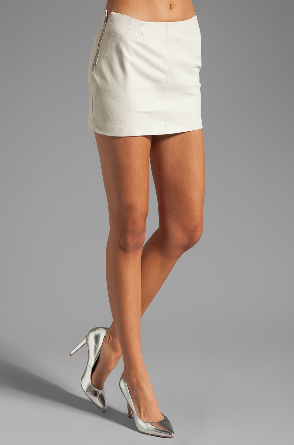 VEDA Bow Leather Skirt in White