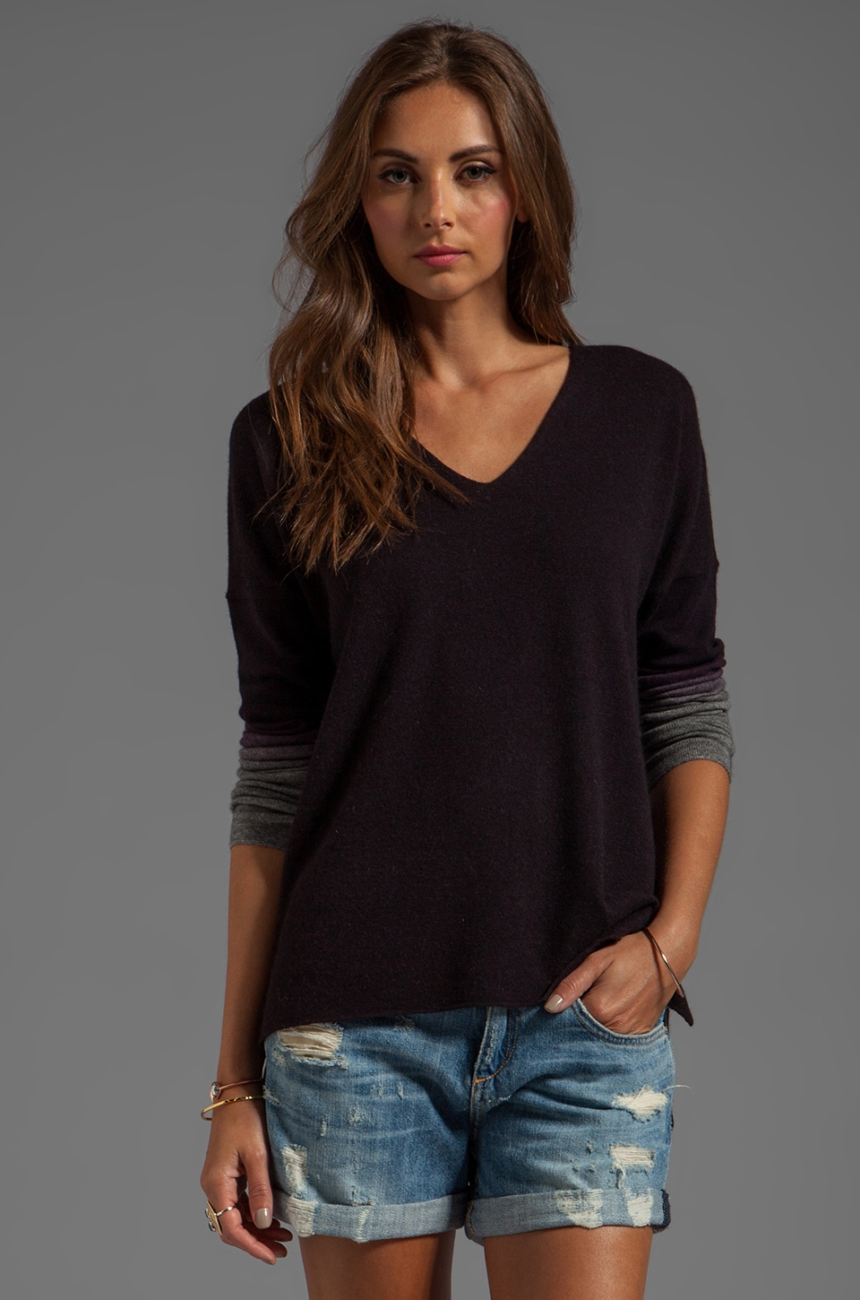 Vince Cropped Wool-Cashmere Vee with Ombre Sleeves in Mulberry