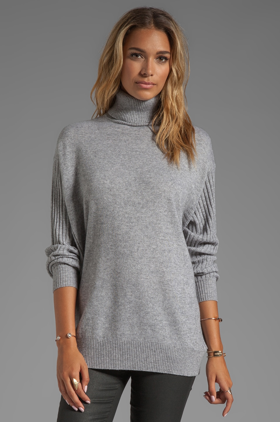 Vince Oversized Wool-Cashmere Turtleneck in Heather Steel
