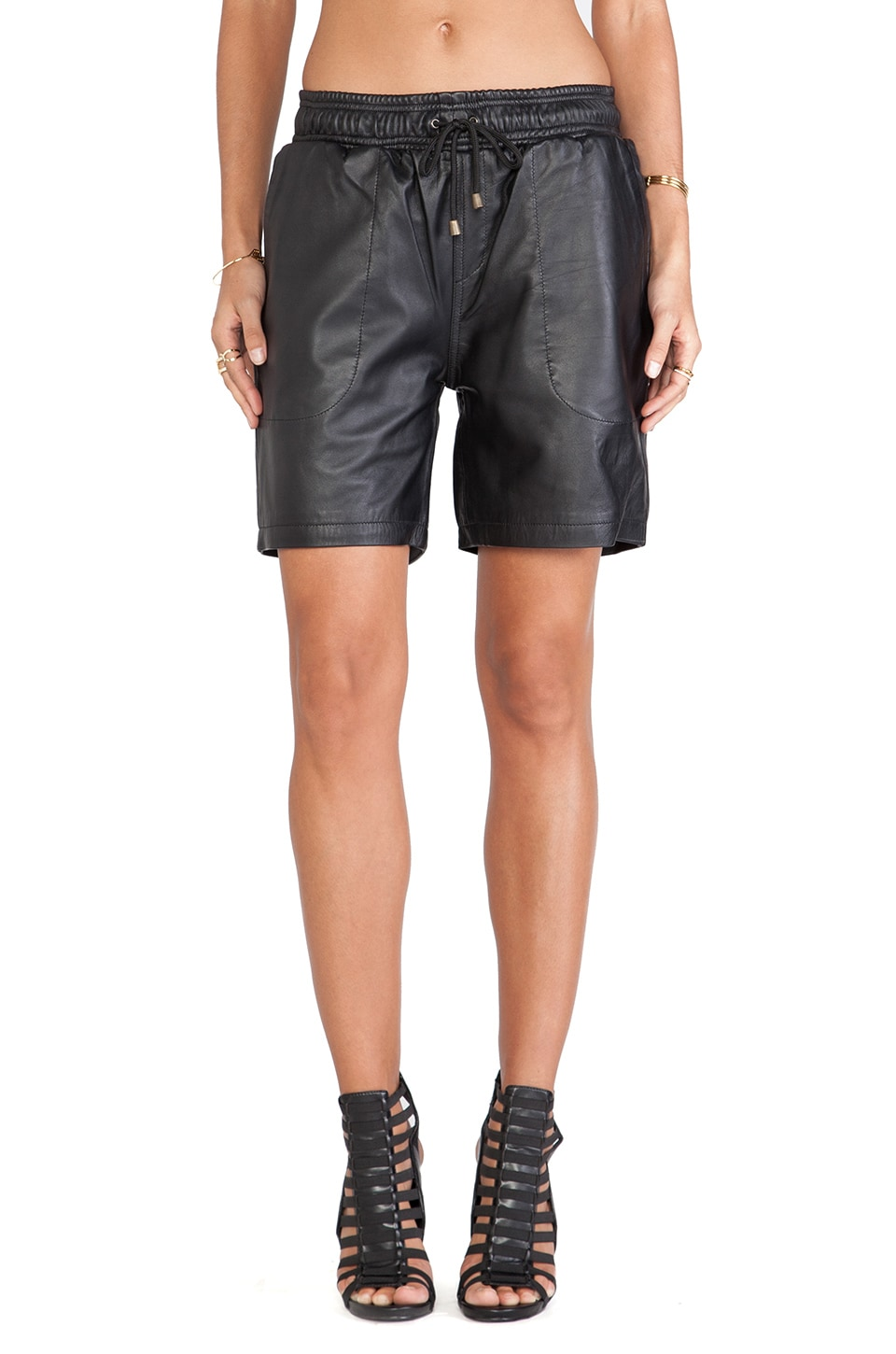 Viparo Melvin Basketball Shorts in Black