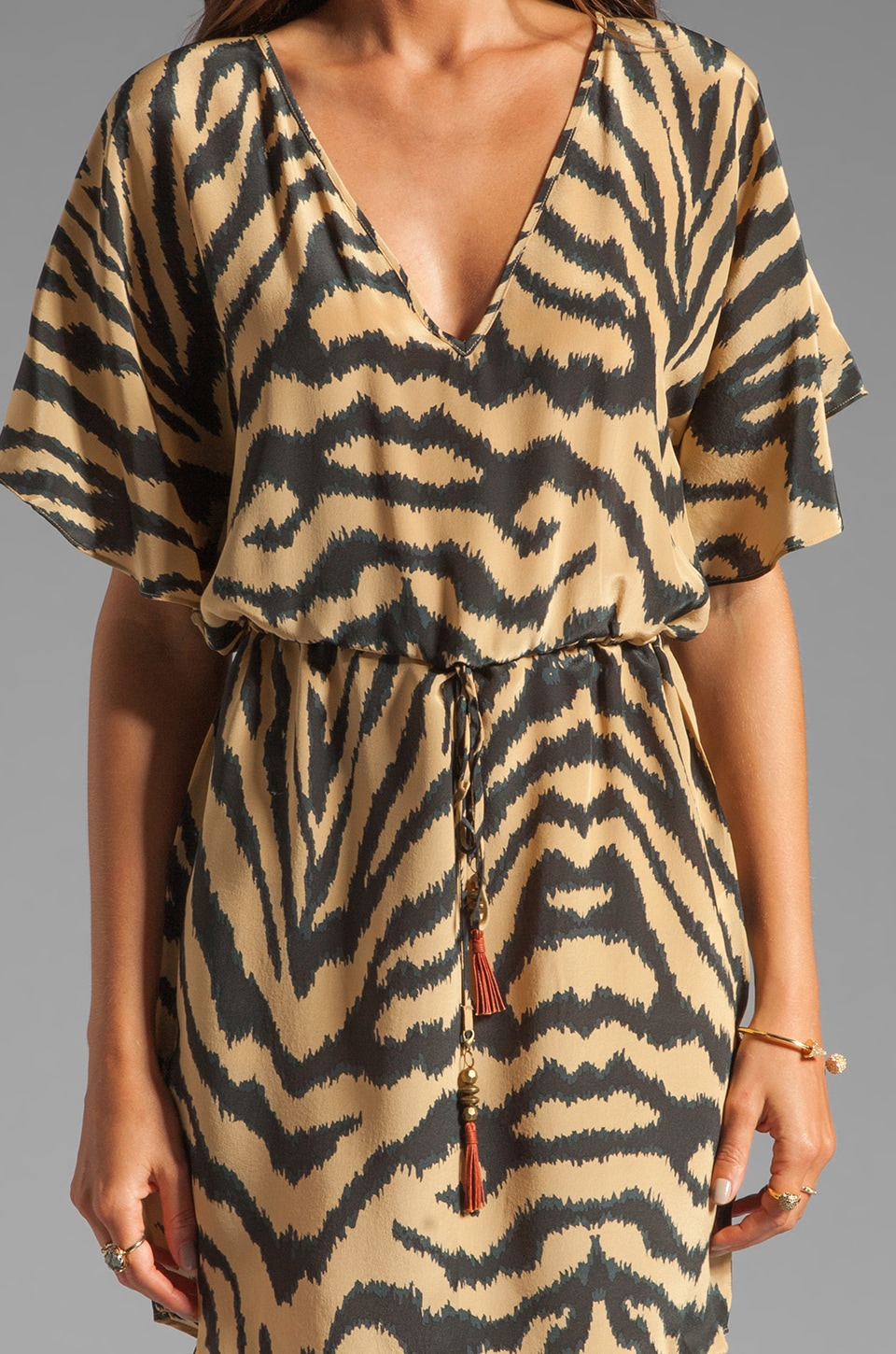 Vix Swimwear Cape Black Lilly Dress in Brown/Black