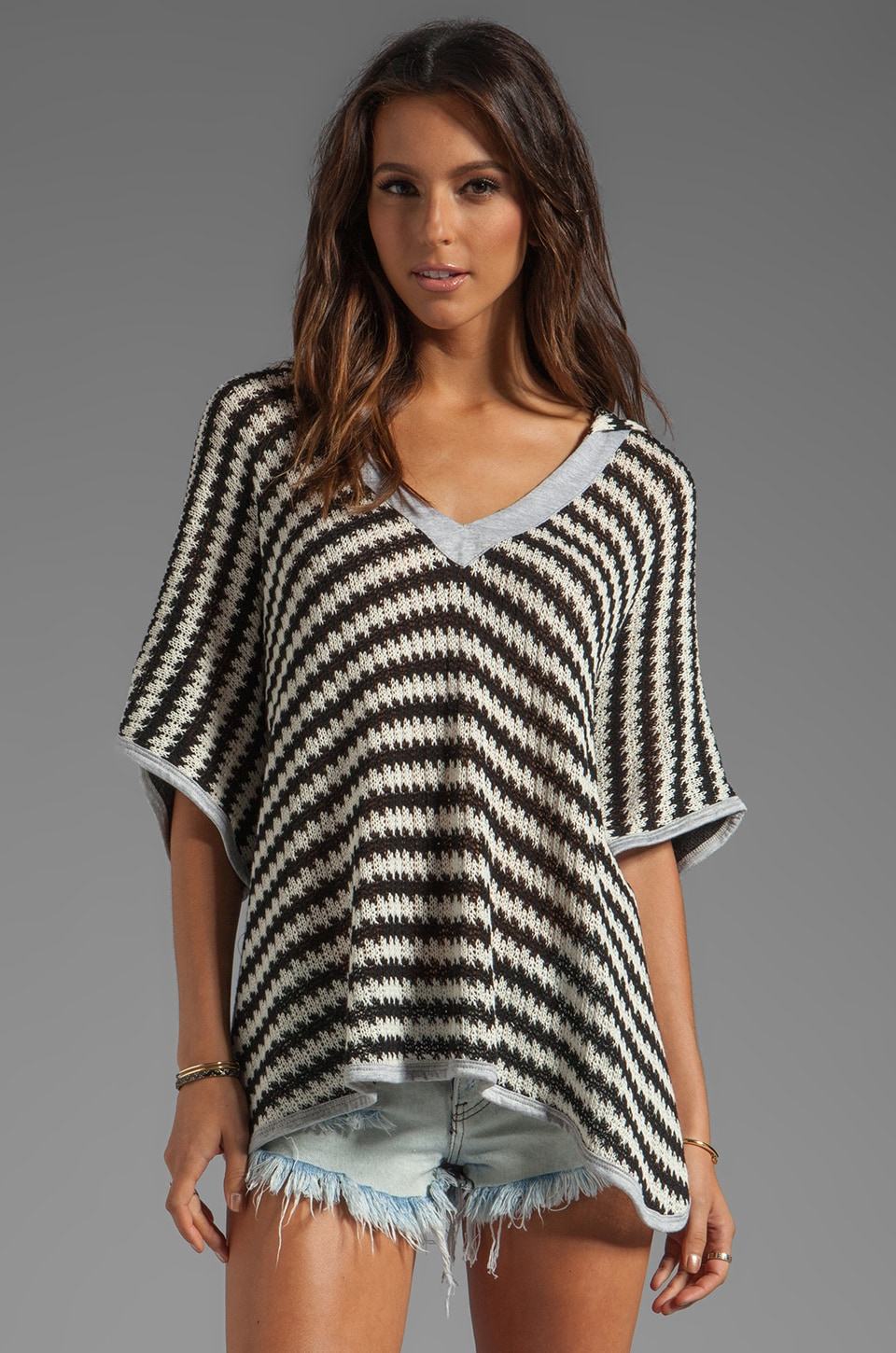 WOODLEIGH Ziena Poncho in Black/Cream