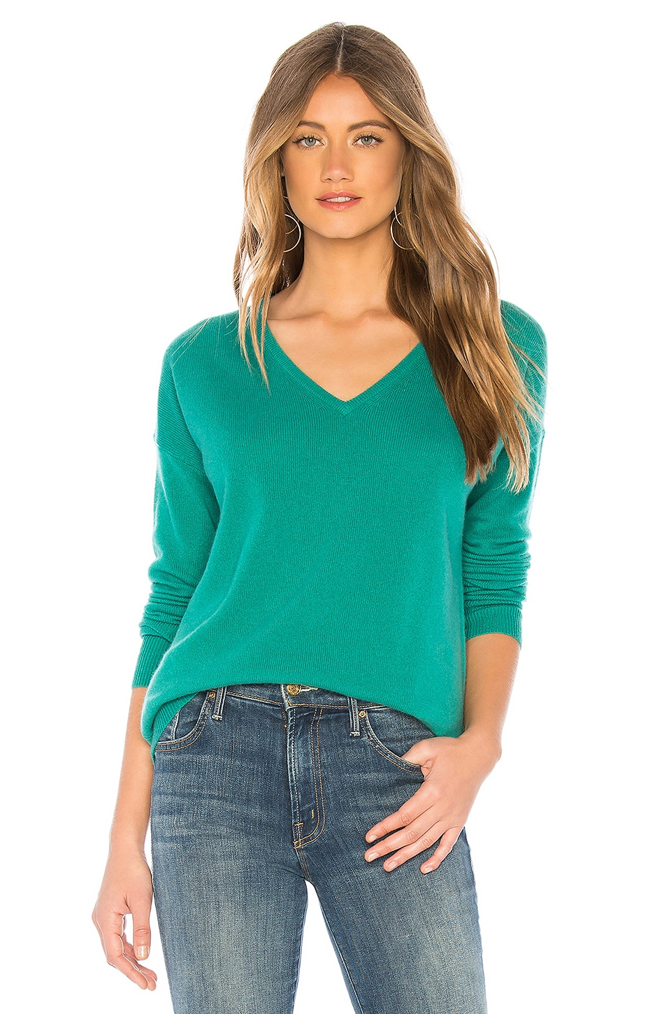 White + Warren Essential V Neck Sweater in Kelly Green