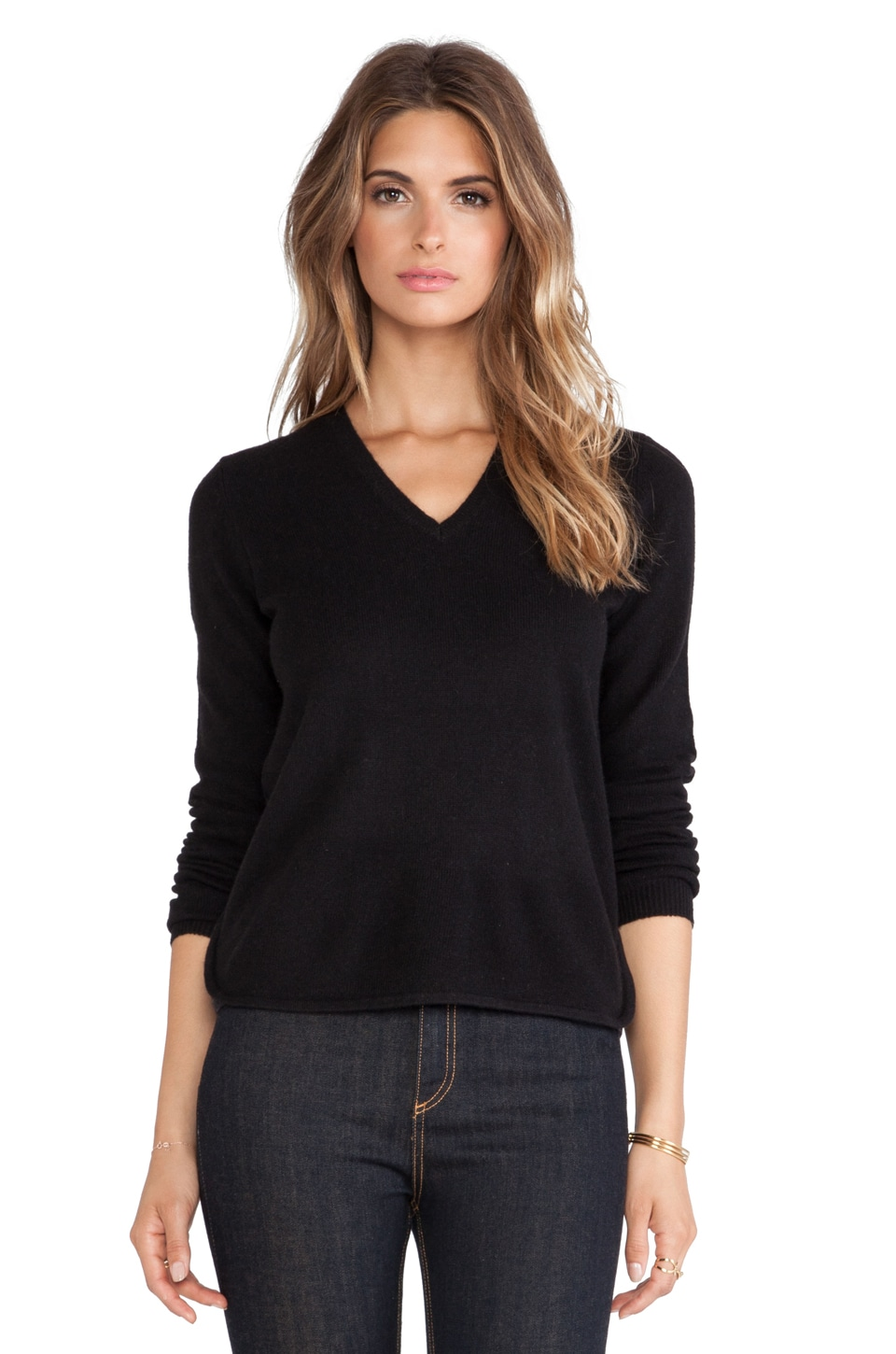 White + Warren Curve Hem V Neck Sweater in Black & Carbon