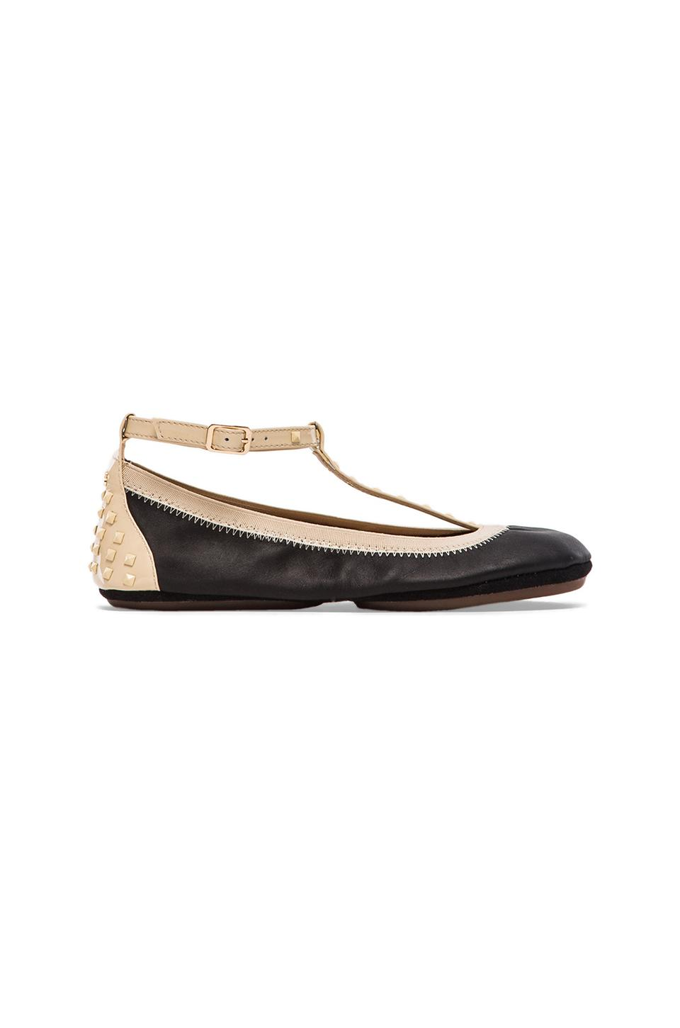 Yosi Samra Erica Soft Leather Strap Flat in Biscotti/Black