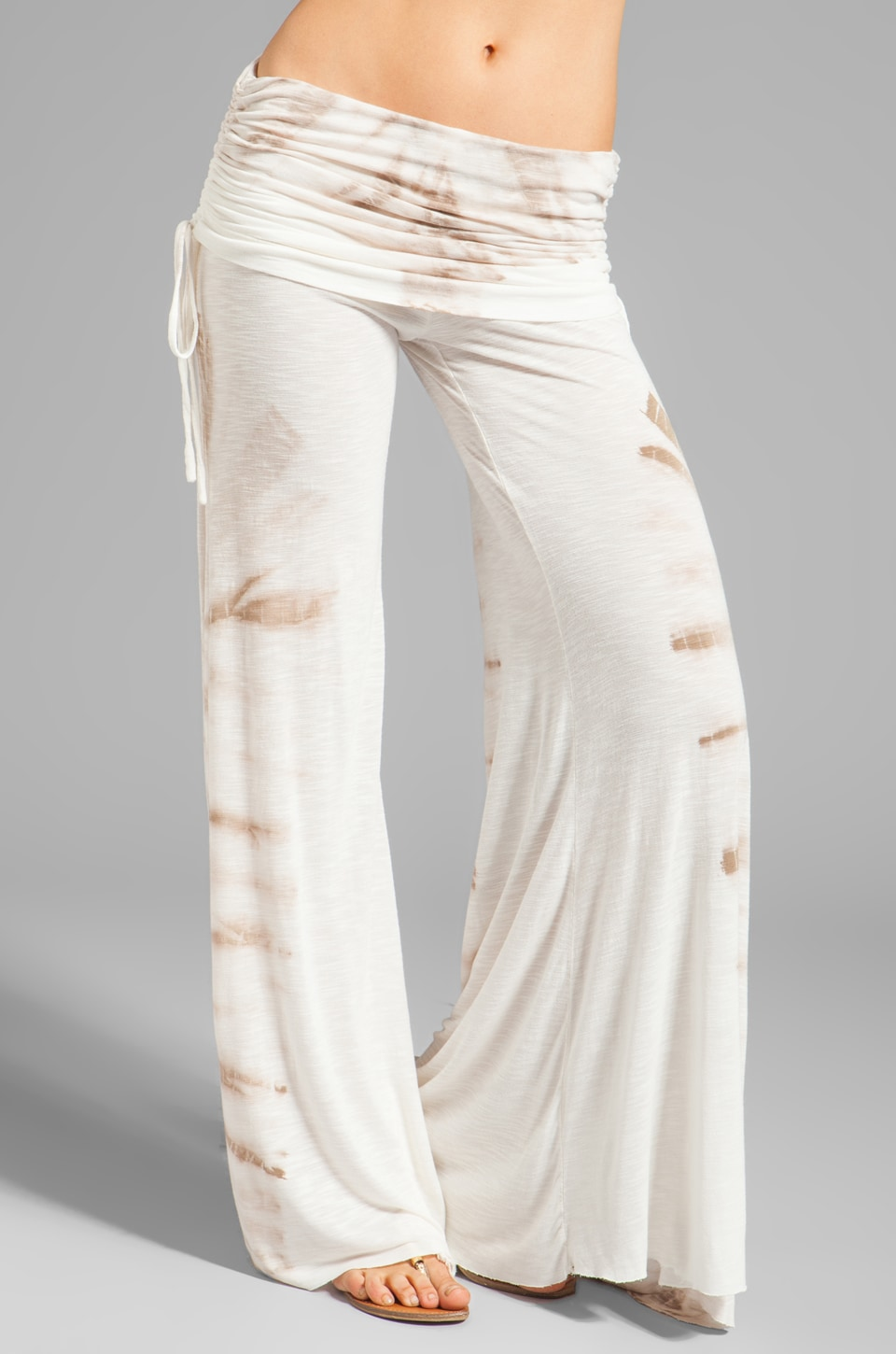 Young, Fabulous & Broke Sierra Carnivale Wash Pant in Sand