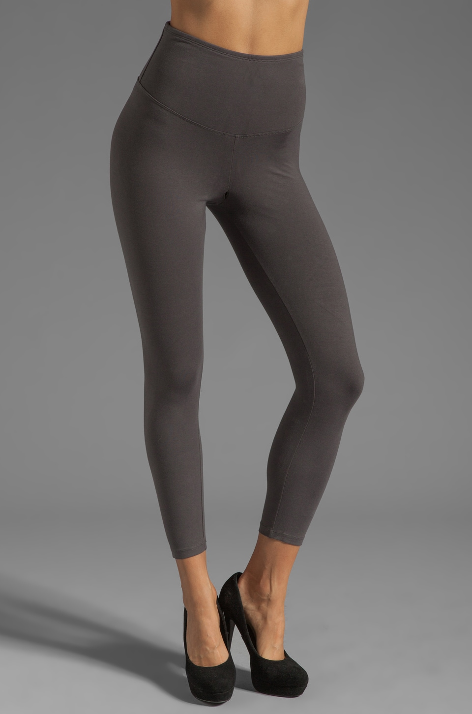 Yummie by Heather Thomson Sabrina Skimmer Legging in Charcoal
